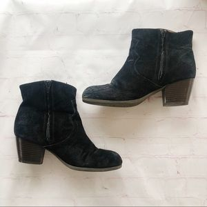 [Lucky Brand] black suede ankle booties